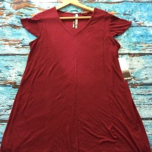 New Kenzie tee shirt dress wine color. Size large